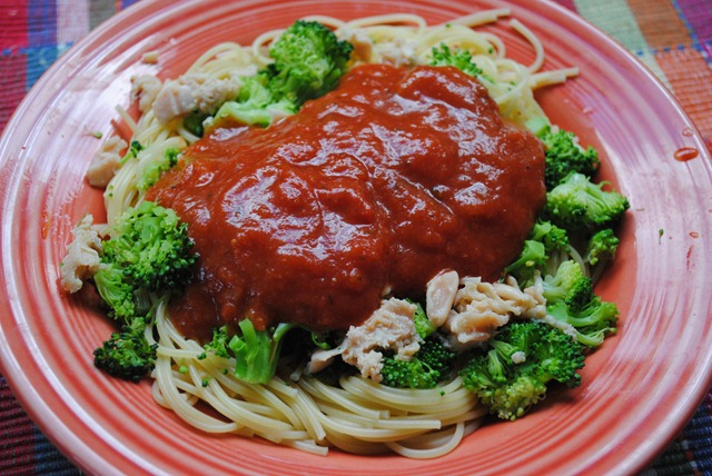 ... in, I topped the spaghetti, broccoli and clams with marinara sauce